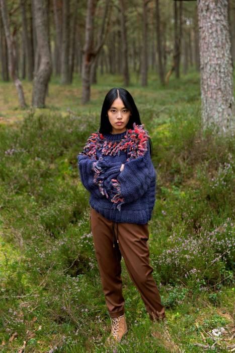 Sweater MORE dark